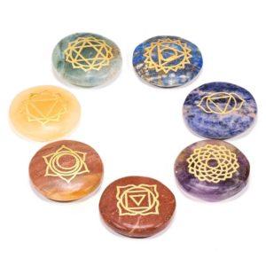 Set 7 symbolov čakier na kameni