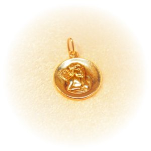 Zamyslený Anjel - zlatý medailón